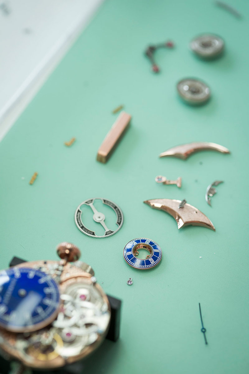 Picture of the Alchemists Cu29 movement's parts